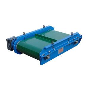 Separatory podwieszane nad podajnikami taśmowymi z automatycznym układem oczyszczania magnesów